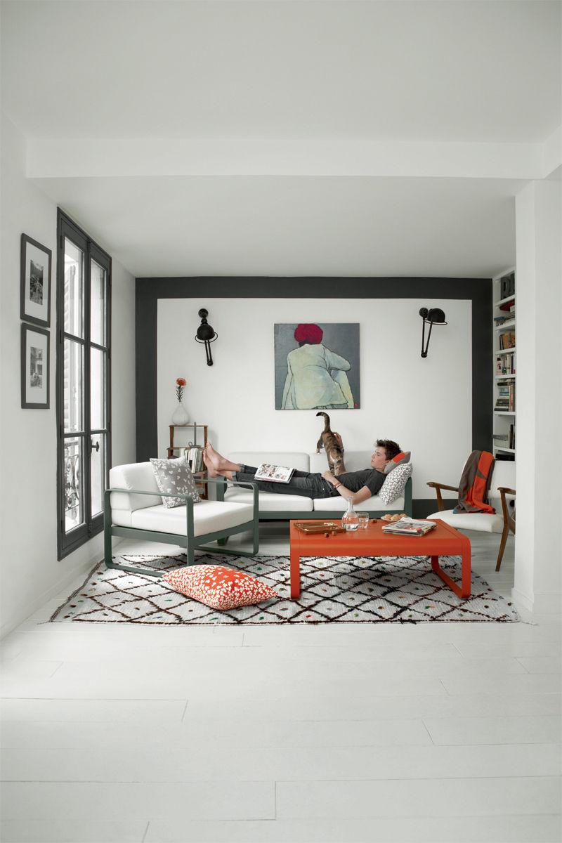 canap droit bellevie 2 places l 160 cm tissu blanc gris m tal tissu blanc fermob. Black Bedroom Furniture Sets. Home Design Ideas