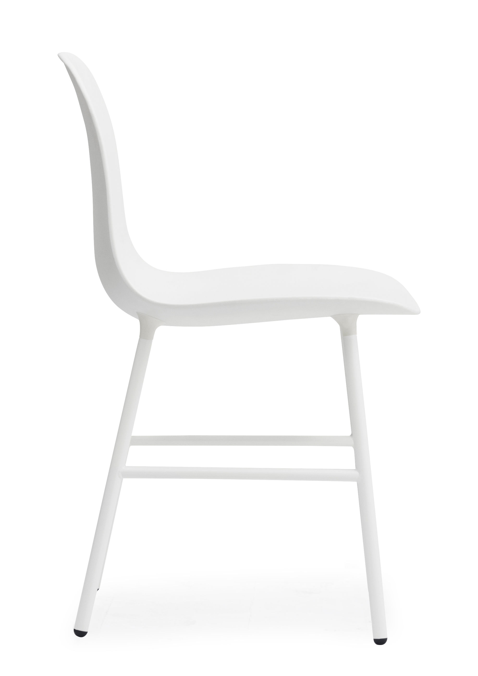 Chaise form pied m tal blanc normann copenhagen for Chaise pied metal