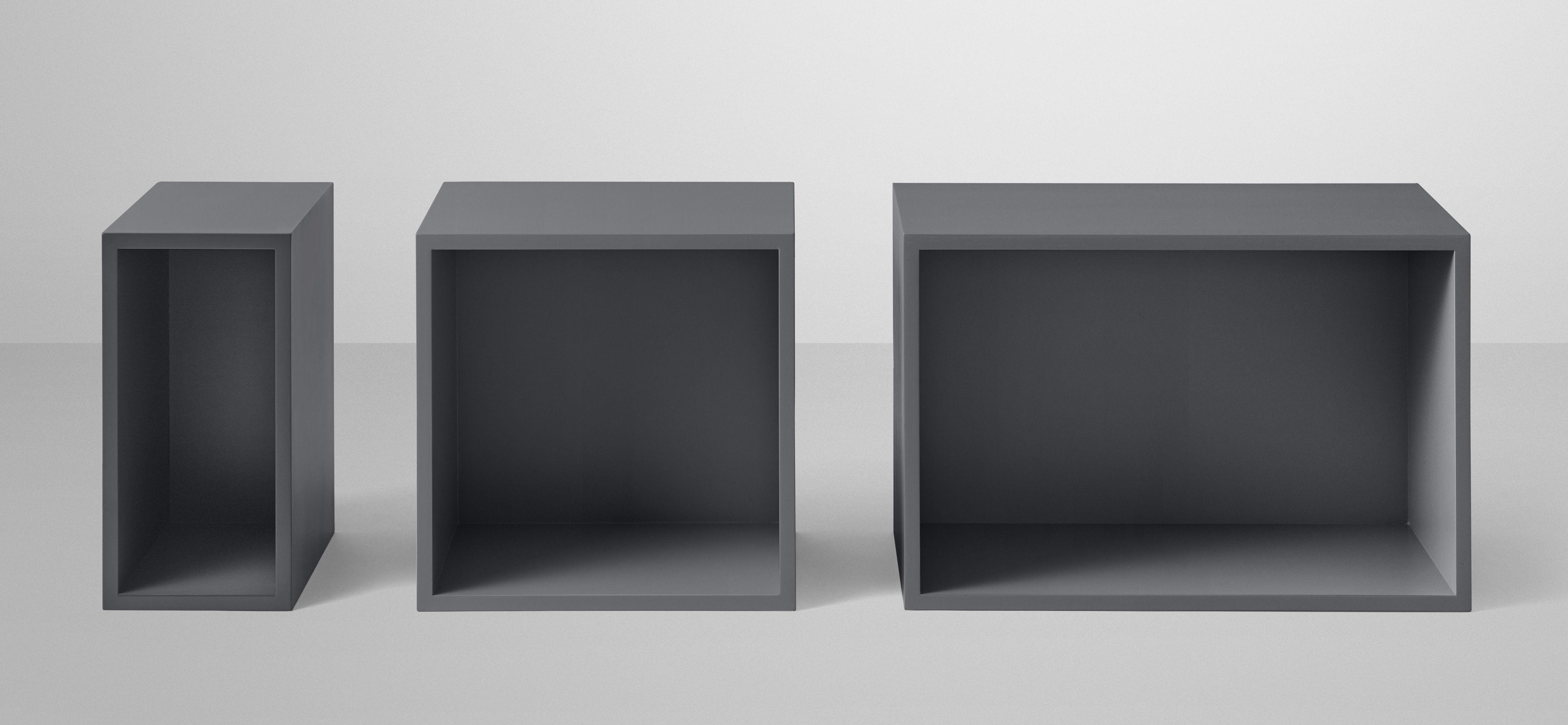 etag re stacked small rectangulaire 43x21 cm avec fond gris fonc muuto. Black Bedroom Furniture Sets. Home Design Ideas