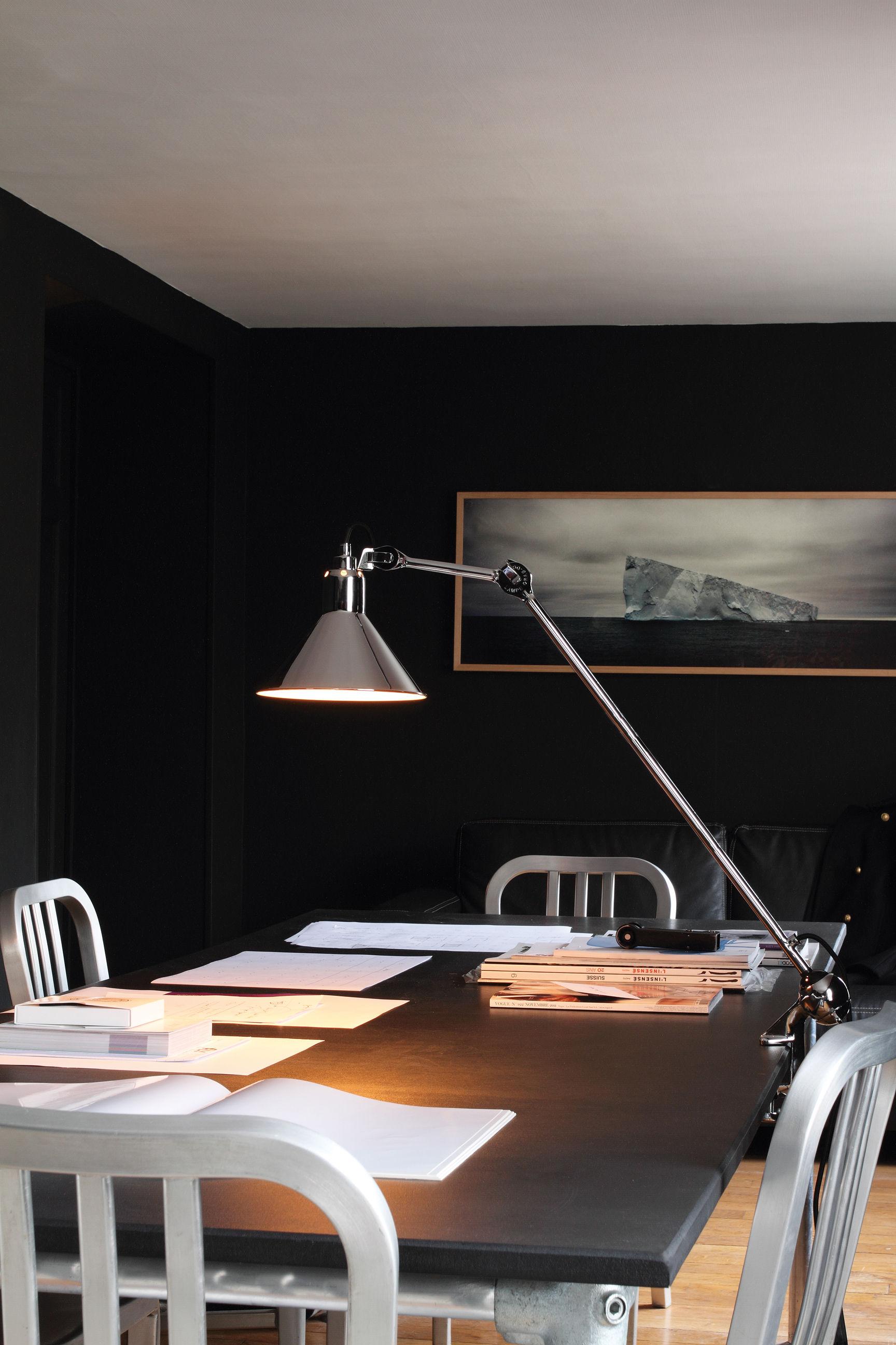 lampe d 39 architecte n 201 base tau lampe gras abat jour rouge bras noir dcw ditions. Black Bedroom Furniture Sets. Home Design Ideas