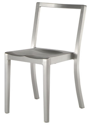 Furniture - Chairs - Icon Outdoor Chair - Aluminium by Emeco - Brushed aluminium - Brushed aluminium
