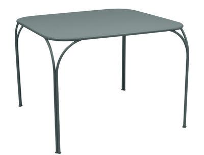 Table Kintbury 100 x 100 cm Fermob gris orage en métal