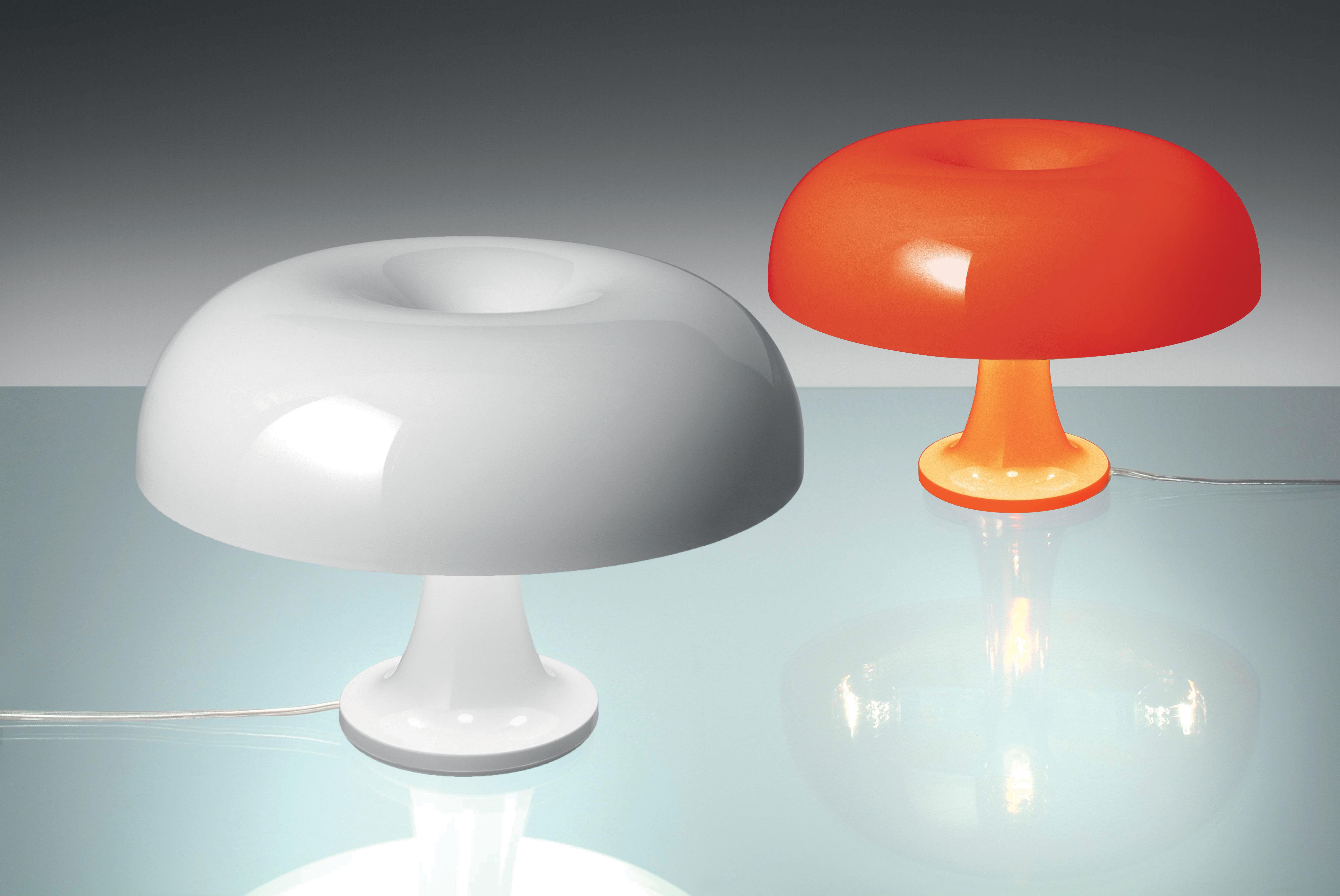 Lampe de table nessino 32 cm orange opaque artemide for Made design