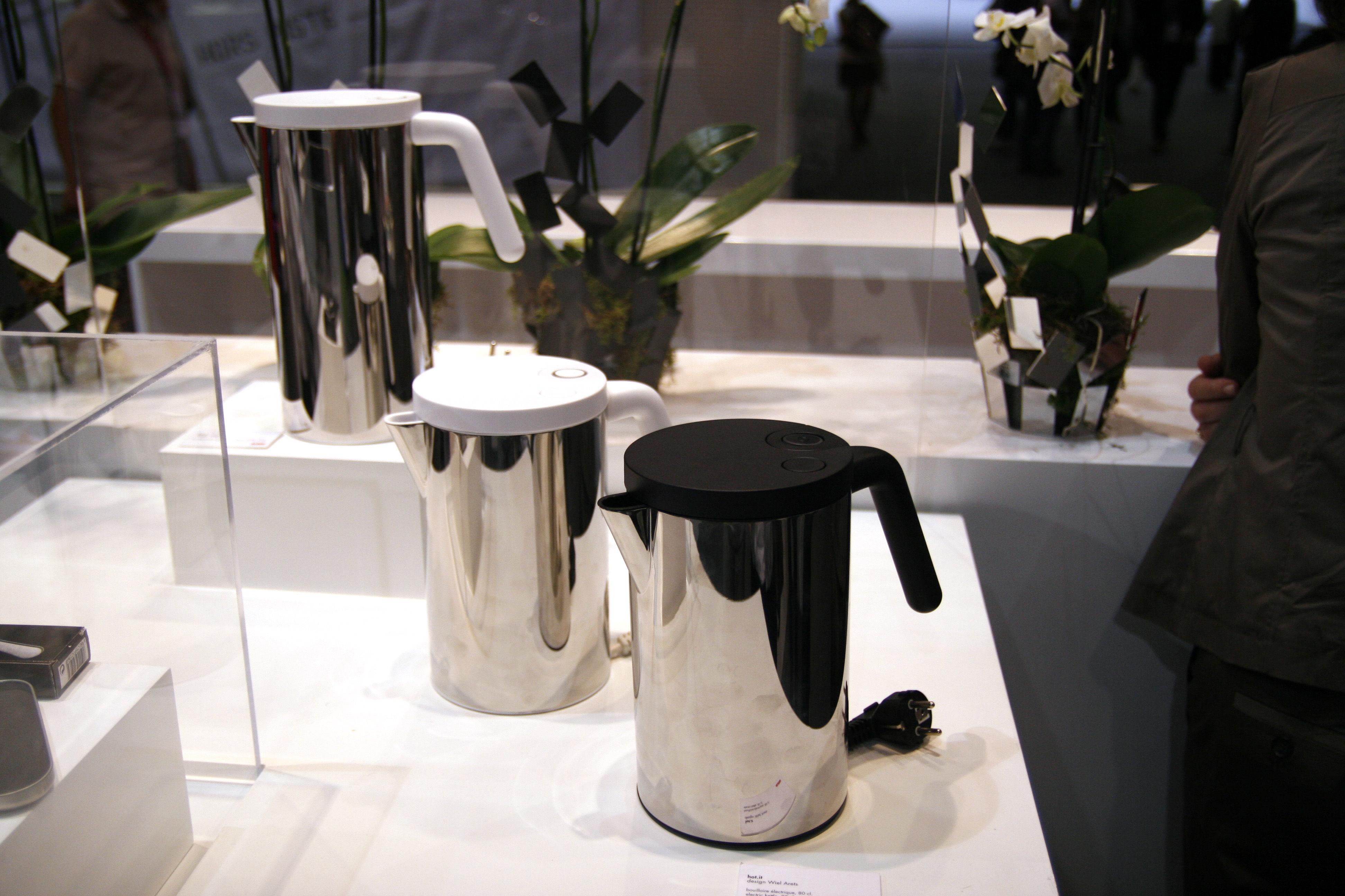 Bouilloire lectrique 80 cl 80 cl acier noir for Bouilloire made in france