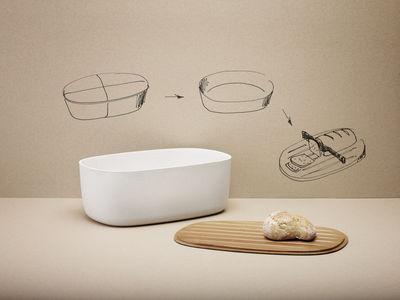 bo te pain couvercle planche d couper blanc bois stelton made in design. Black Bedroom Furniture Sets. Home Design Ideas