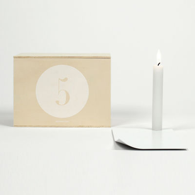 Déco - Bougeoirs, photophores - Coffret Designerbox#5 / Bougeoir Candle in the wind - Kazuhiro Yamanaka - Designerbox - Blanc / Coffret bois - Acier peint