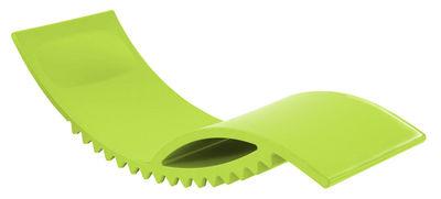 Foto Chaise longue Tic - versione laccata di Slide - Verde laccato - Materiale plastico