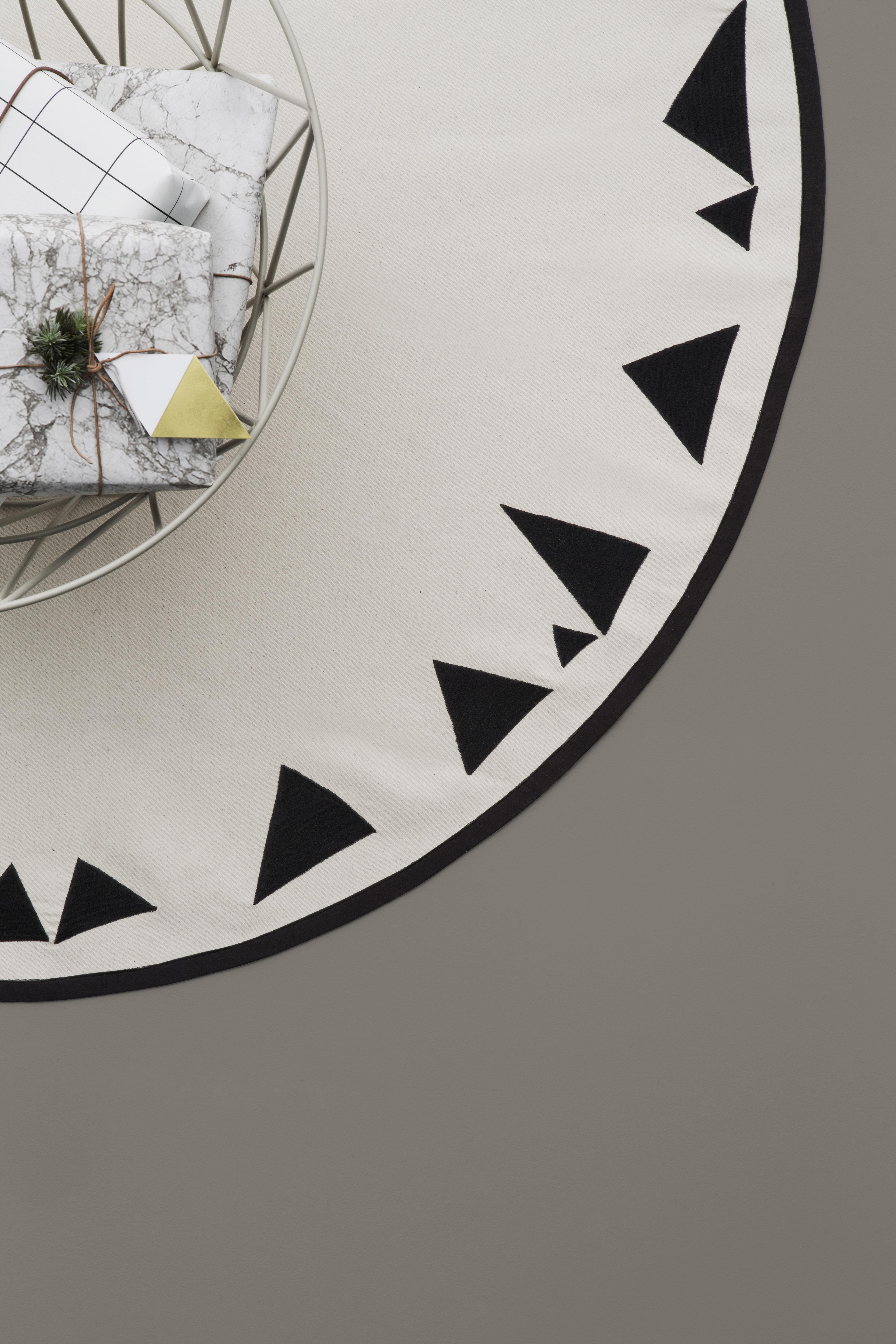 mountains f r den weihnachtsbaum 120 cm ferm. Black Bedroom Furniture Sets. Home Design Ideas