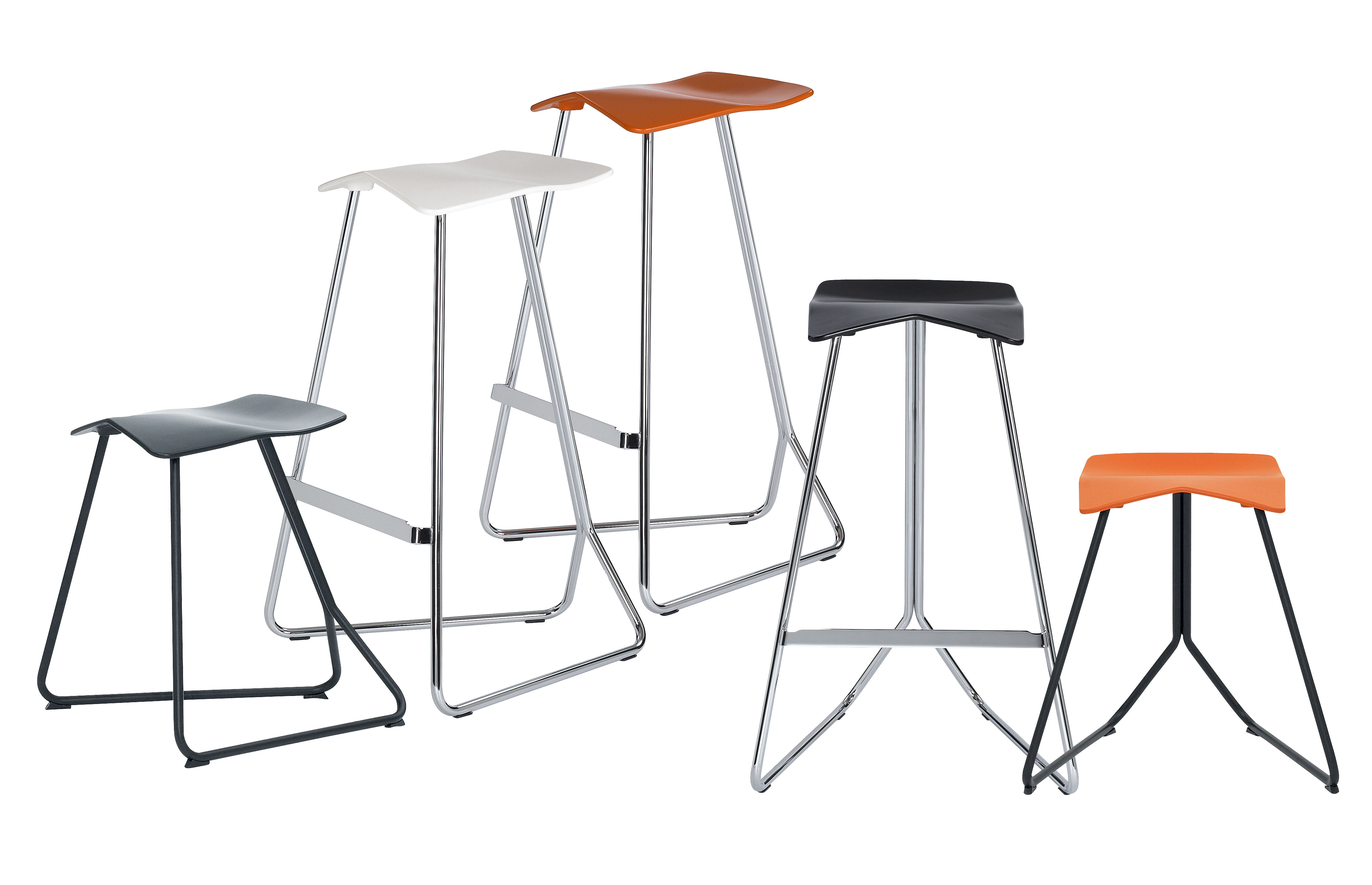 tabouret de bar triton h 74 cm assise plastique noir pied chrom classicon made in design. Black Bedroom Furniture Sets. Home Design Ideas