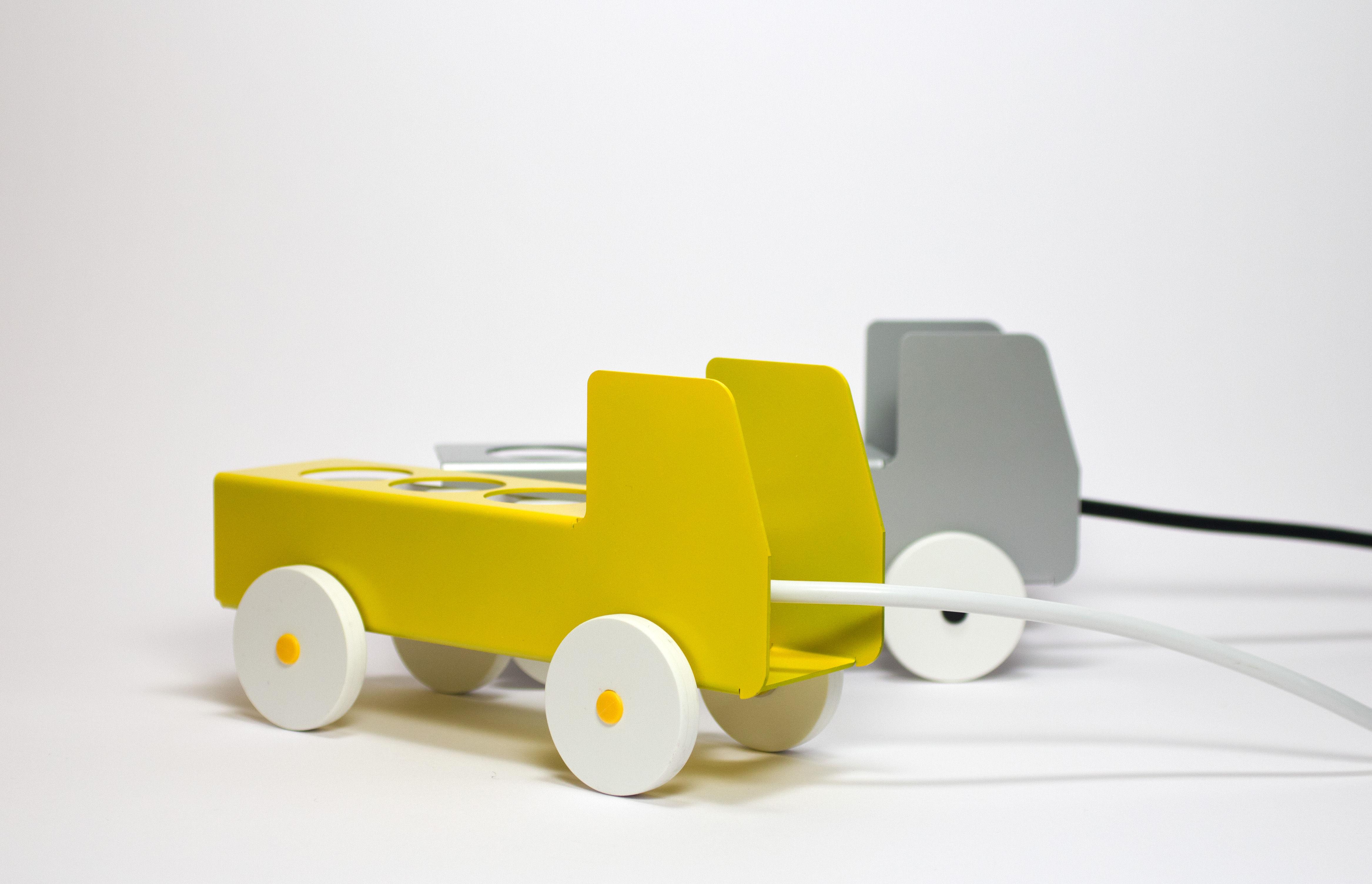 cache multiprise plug truck 6 prises noir details pop corn. Black Bedroom Furniture Sets. Home Design Ideas