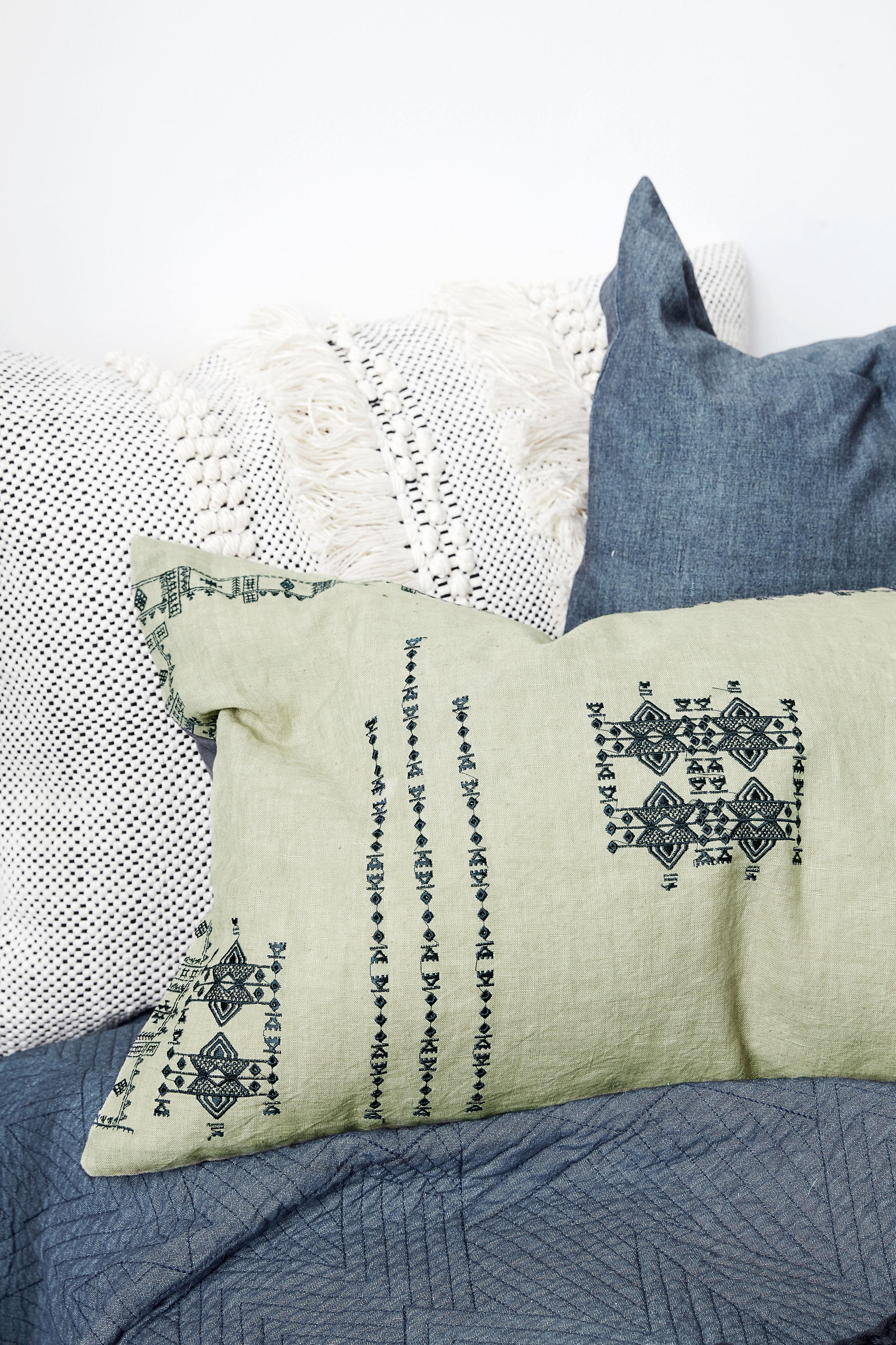 inka kissen leinen 40 x 60 cm gr n by house doctor made in design. Black Bedroom Furniture Sets. Home Design Ideas