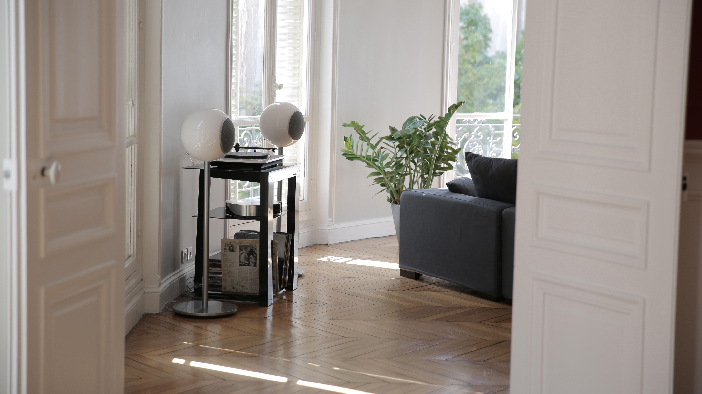 platine vinyle omega bluetooth usb pr amplifi e blanc elipson. Black Bedroom Furniture Sets. Home Design Ideas
