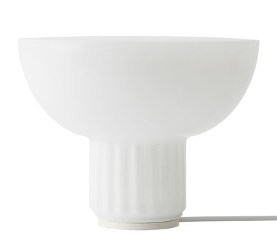Foto Lampada da Tavolo The Standard / Vetro opalino - H 18 cm - Menu - Bianco - Vetro