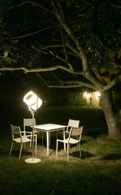 Lampadaire solaire la lampe paris led sans fil noir for Luminaire exterieur led sans fil