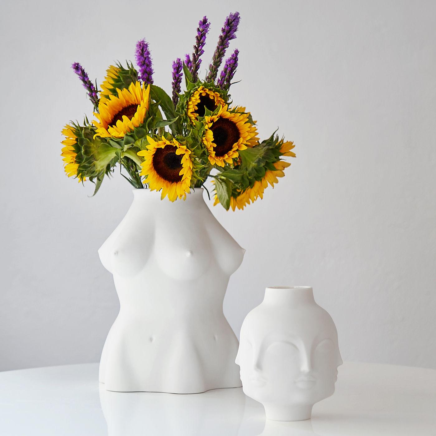 Dora maar vase white dora maar by jonathan adler loading reviewsmspy