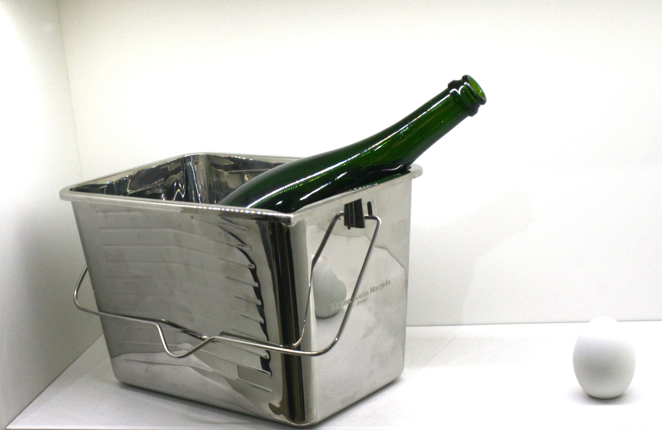 seau champagne inox maison martin margiela. Black Bedroom Furniture Sets. Home Design Ideas