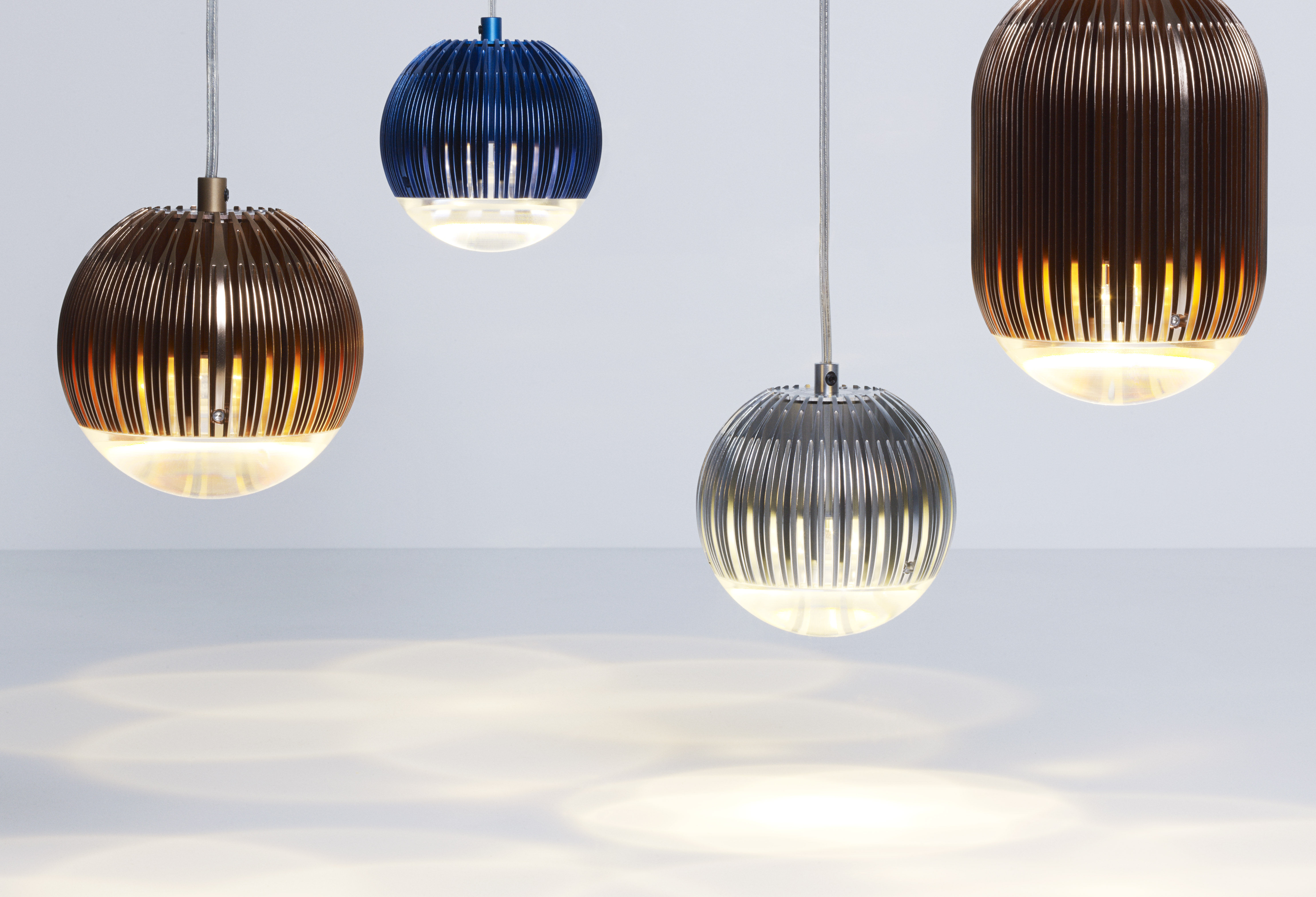 suspension fin round led aluminium tom dixon. Black Bedroom Furniture Sets. Home Design Ideas