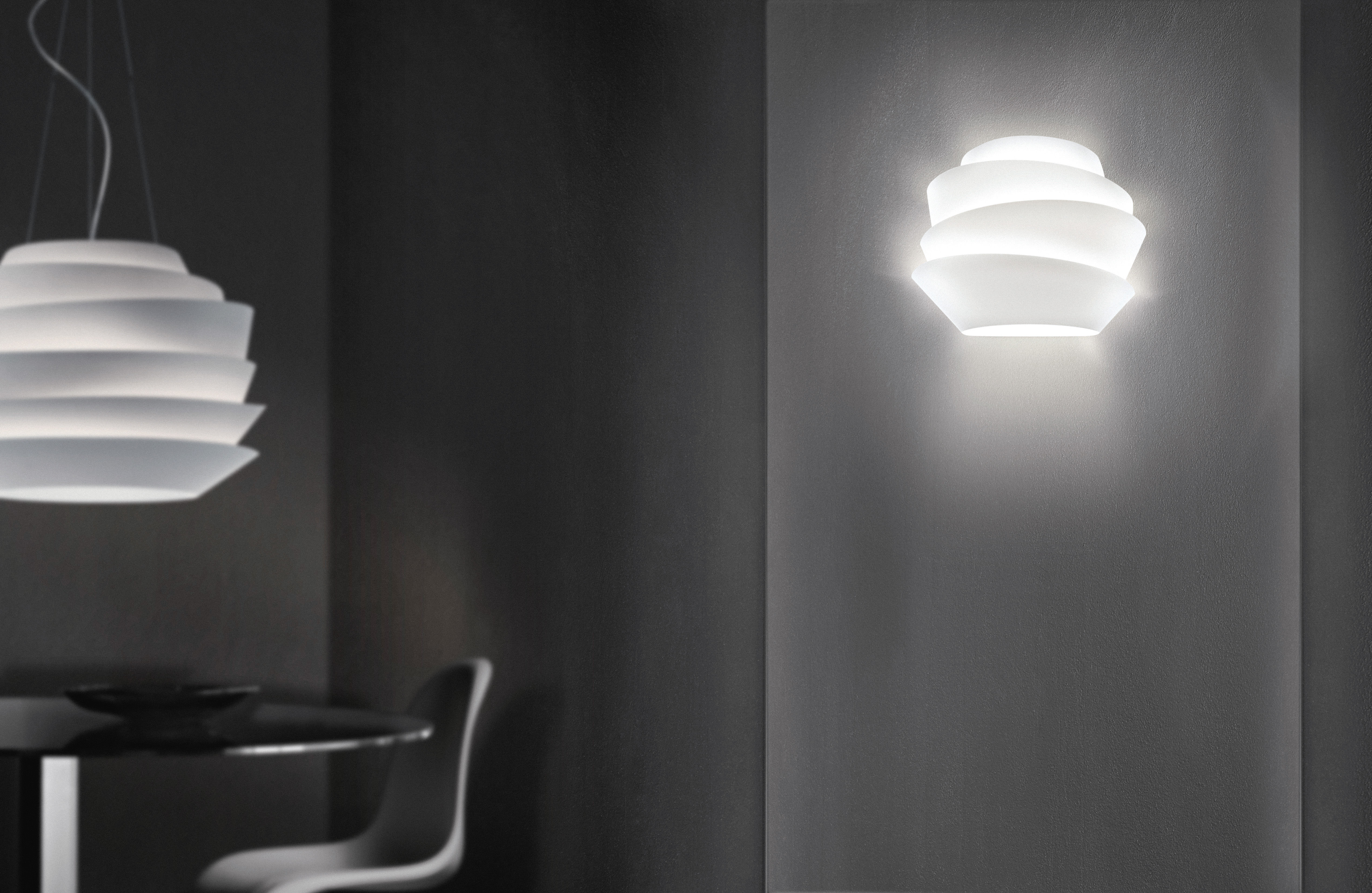 le soleil wall light white by foscarini. Black Bedroom Furniture Sets. Home Design Ideas