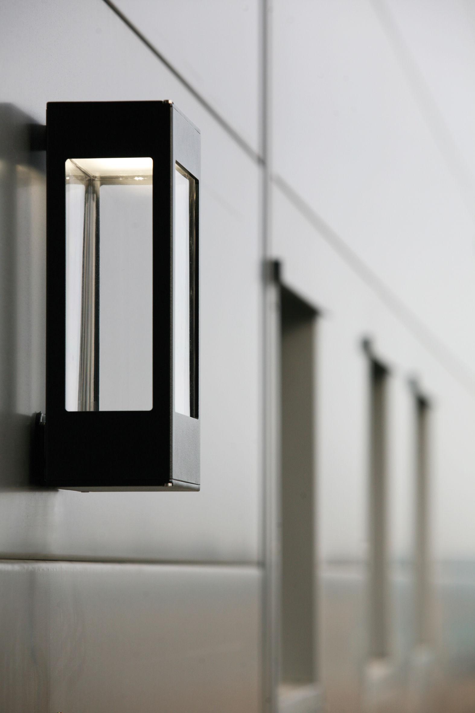 applique tetra led noir roger pradier. Black Bedroom Furniture Sets. Home Design Ideas