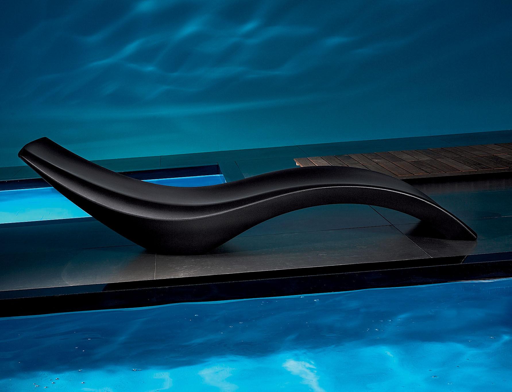 Chaise longue cloe vert myyour - Chaises longues piscine ...