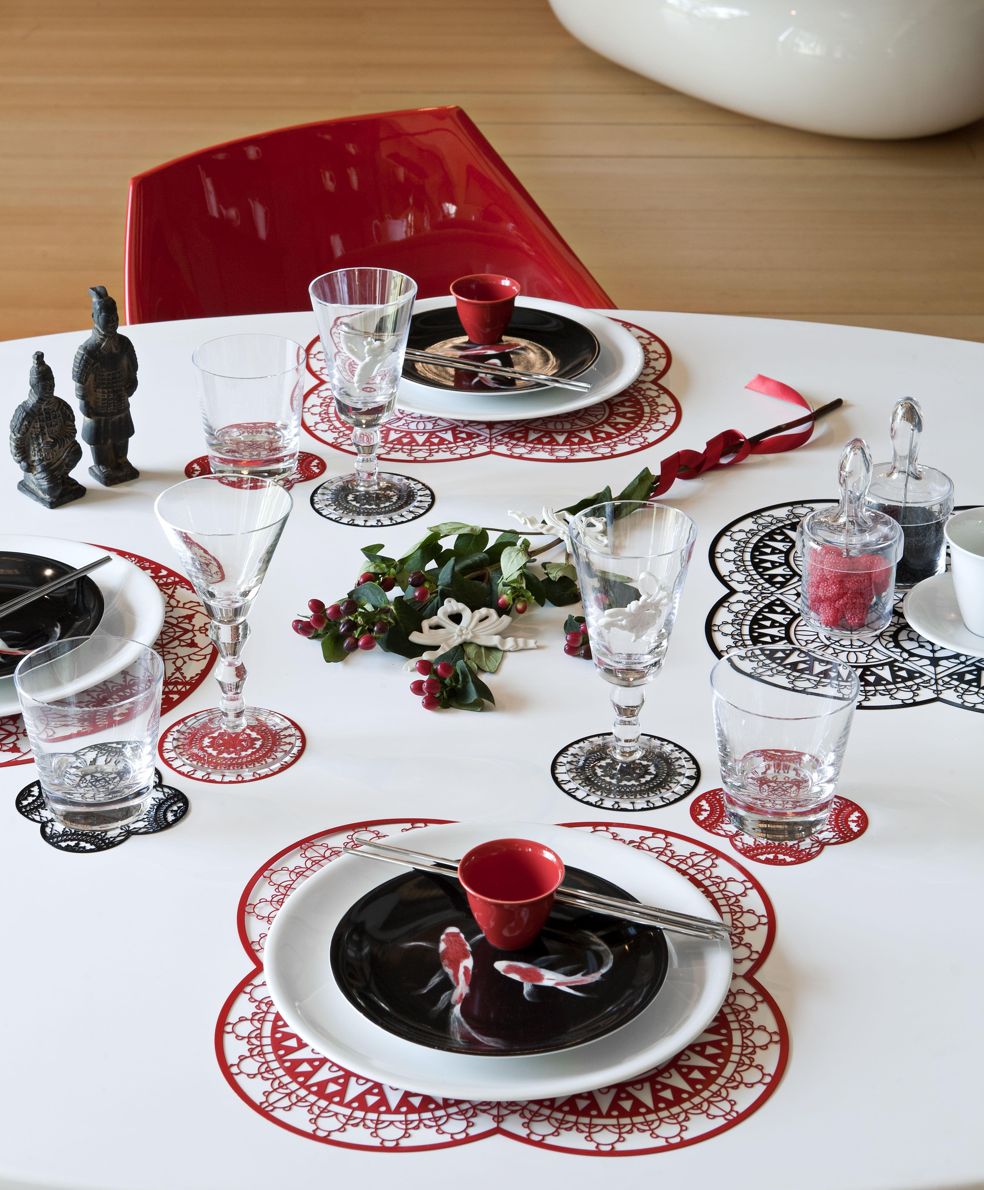 dessous de plat petal italic lace 33 x 33 cm dessous de plat rouge driade kosmo. Black Bedroom Furniture Sets. Home Design Ideas