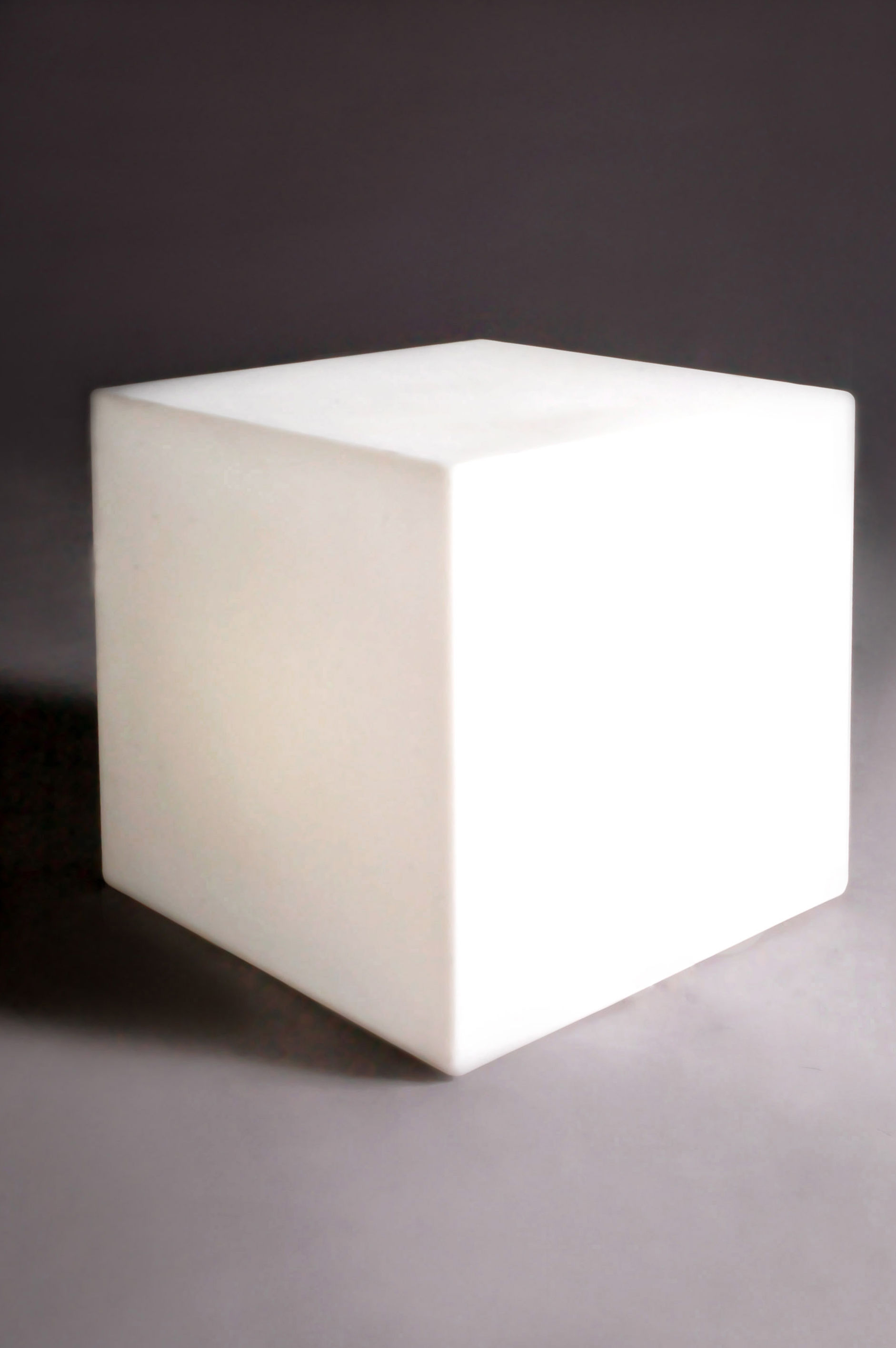 Cubo luminous coffee table outdoor white outdoor by slide for Lampe 5 kabel
