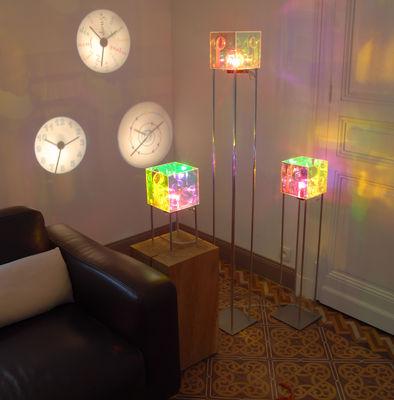 coolheure magic mirror uhr projiziert die uhrzeit an die wand spiegeloberfl che by designheure. Black Bedroom Furniture Sets. Home Design Ideas