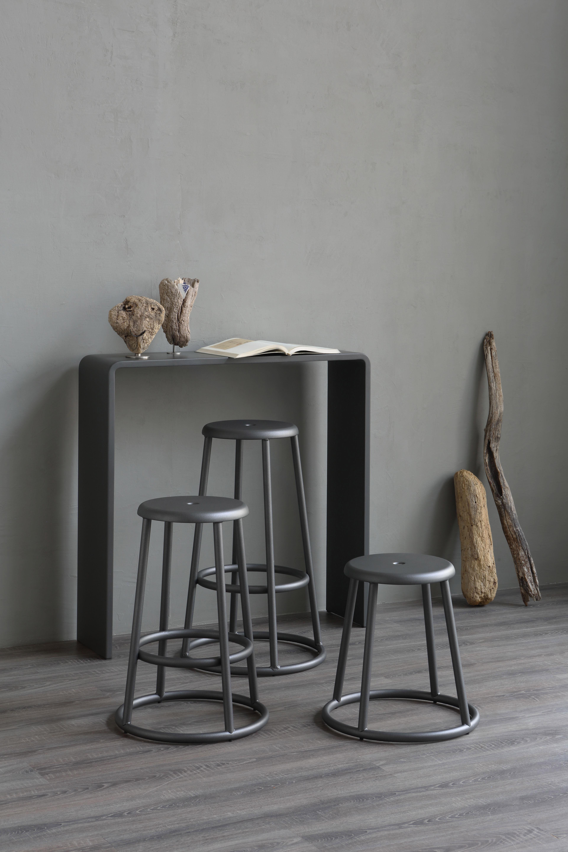 tabouret haut industrial h 64 cm pour l 39 ext rieur gris. Black Bedroom Furniture Sets. Home Design Ideas