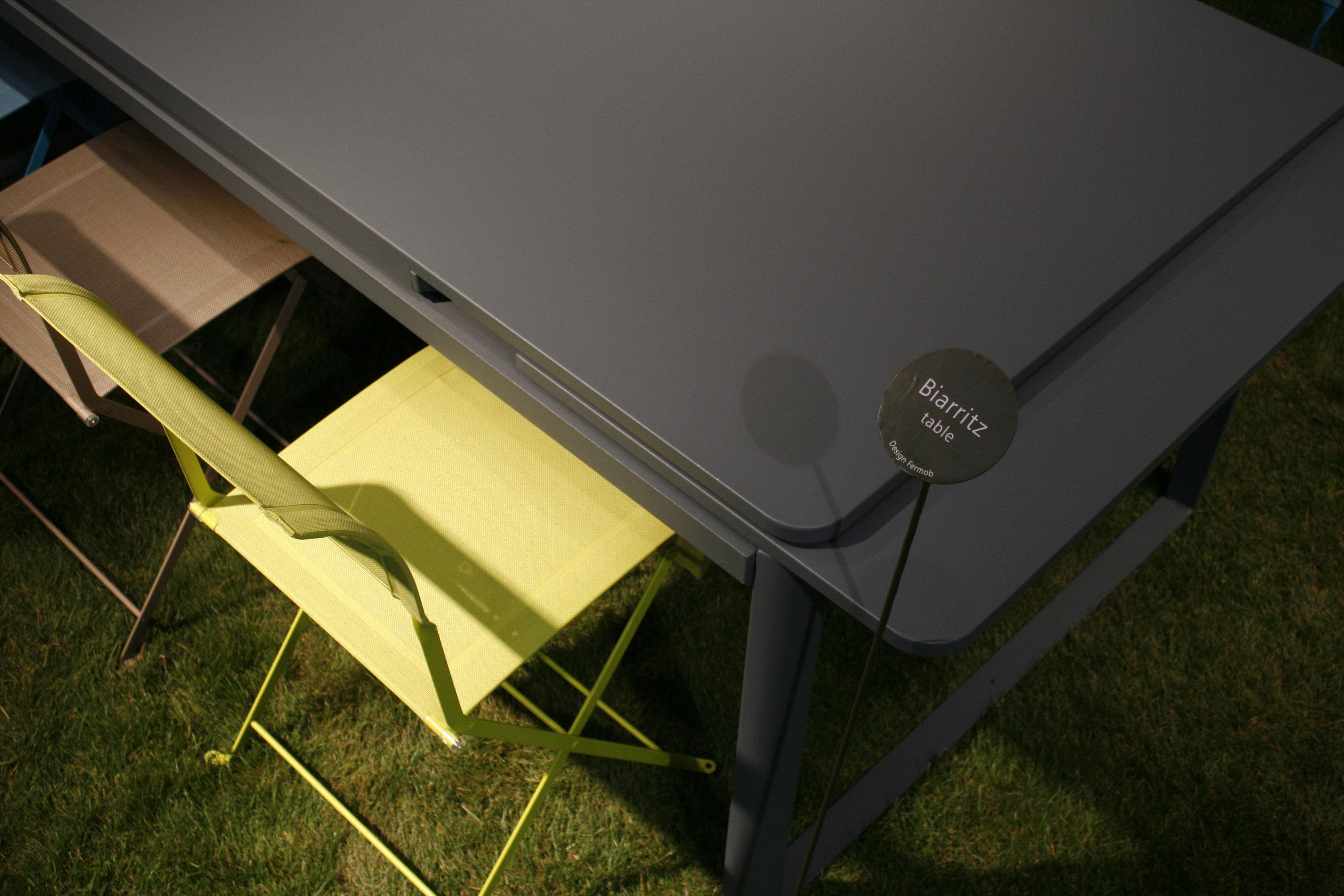 biarritz ausziehbar l 200 bis 300 cm fermob tisch. Black Bedroom Furniture Sets. Home Design Ideas