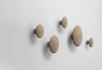 the dots set aus 5 garderobenhaken muuto wandhaken. Black Bedroom Furniture Sets. Home Design Ideas