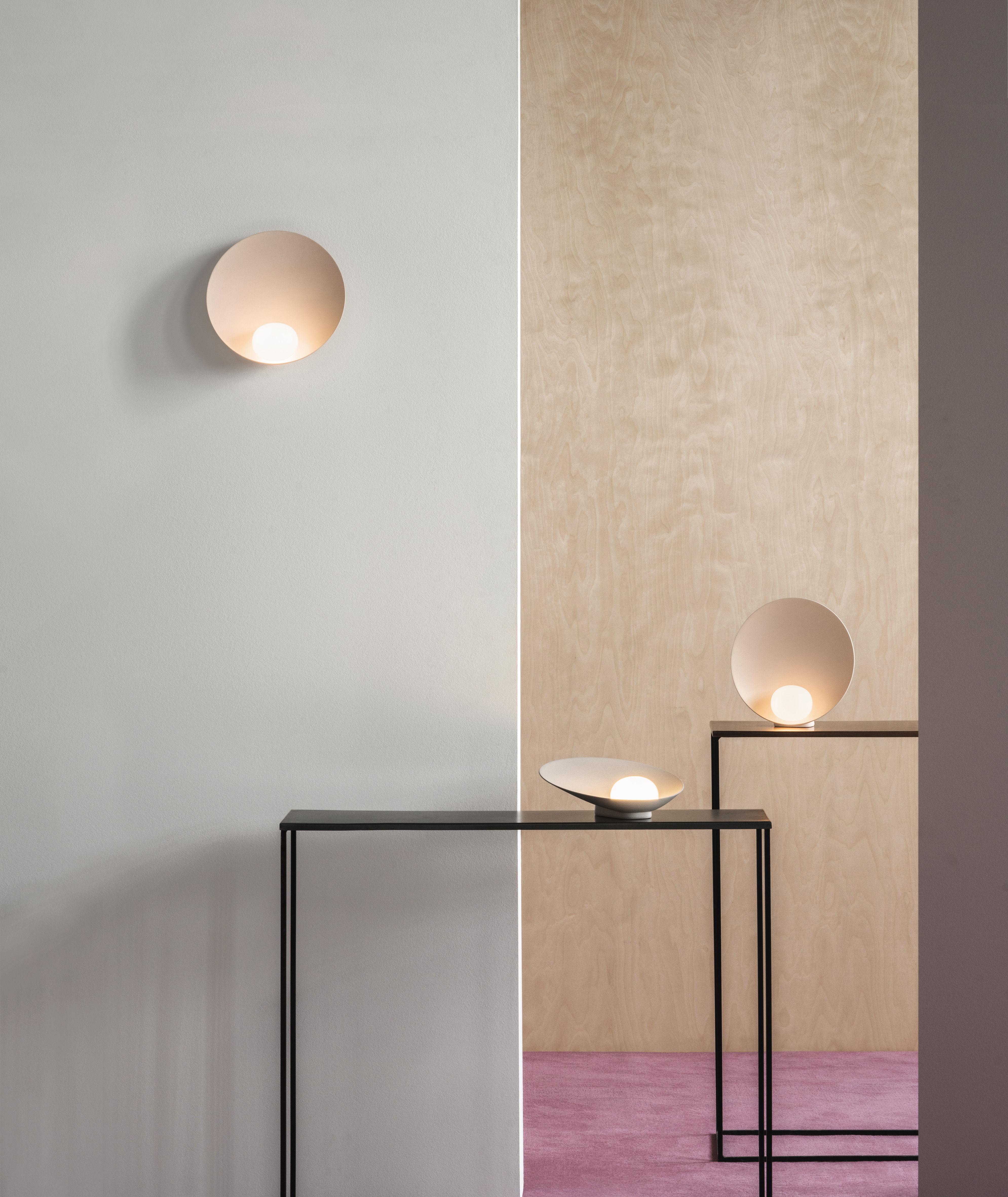 lampe de table musa rechargeable 26 cm laqu blanc. Black Bedroom Furniture Sets. Home Design Ideas