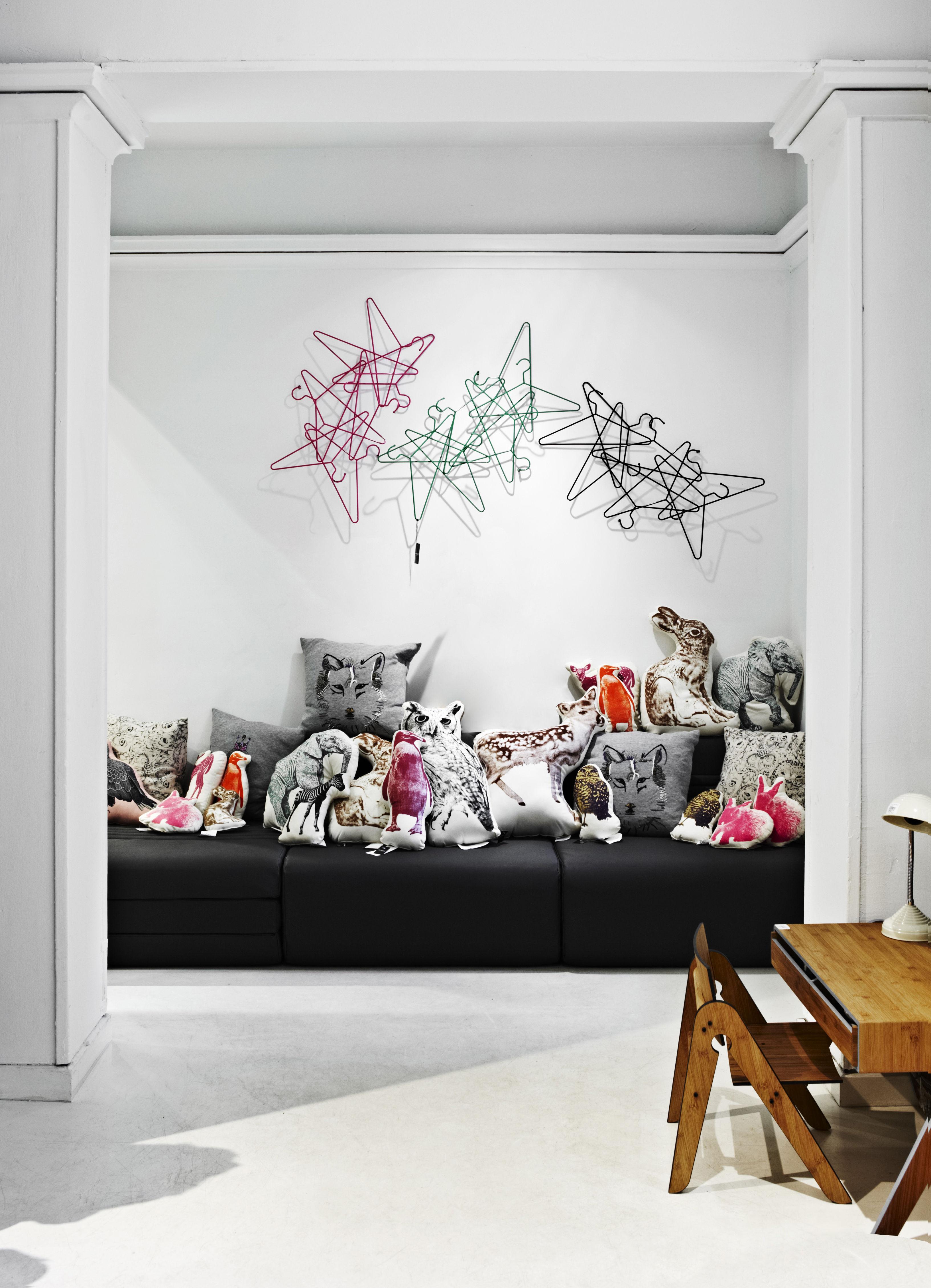 pat res portants portemanteau hang on normann copenhagen. Black Bedroom Furniture Sets. Home Design Ideas