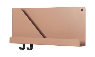 Mobilier - Etagères & bibliothèques - Etagère Folded Small / L 51 x H 22 cm - Métal - 2 crochets + compartiment - Muuto - Terracotta clair - Acier laqué