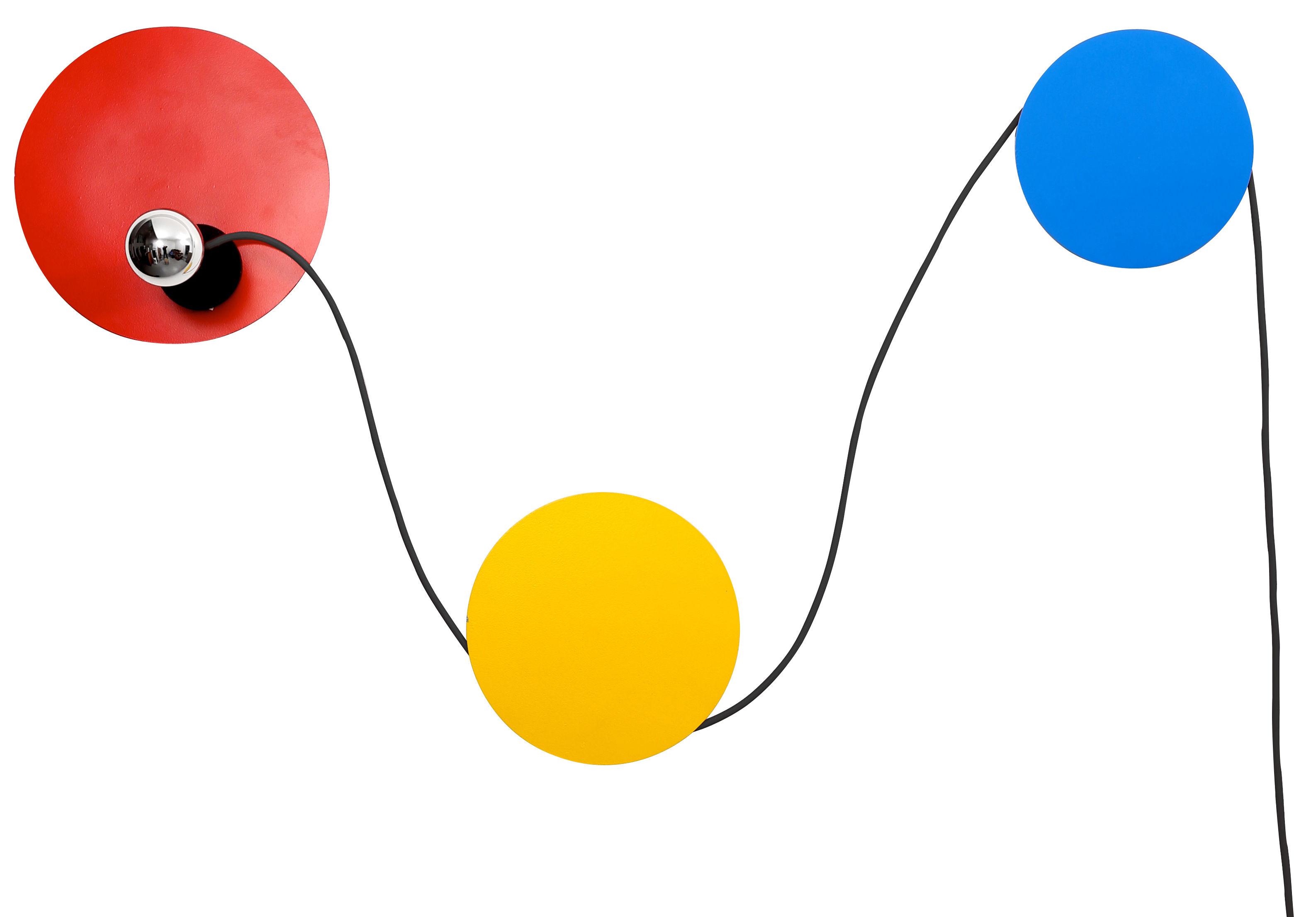 Luminaire - Appliques - Applique avec prise Spotlight / Modulable - La Corbeille - Rouge, Jaune, Bleu / Câble noir - Métal laqué