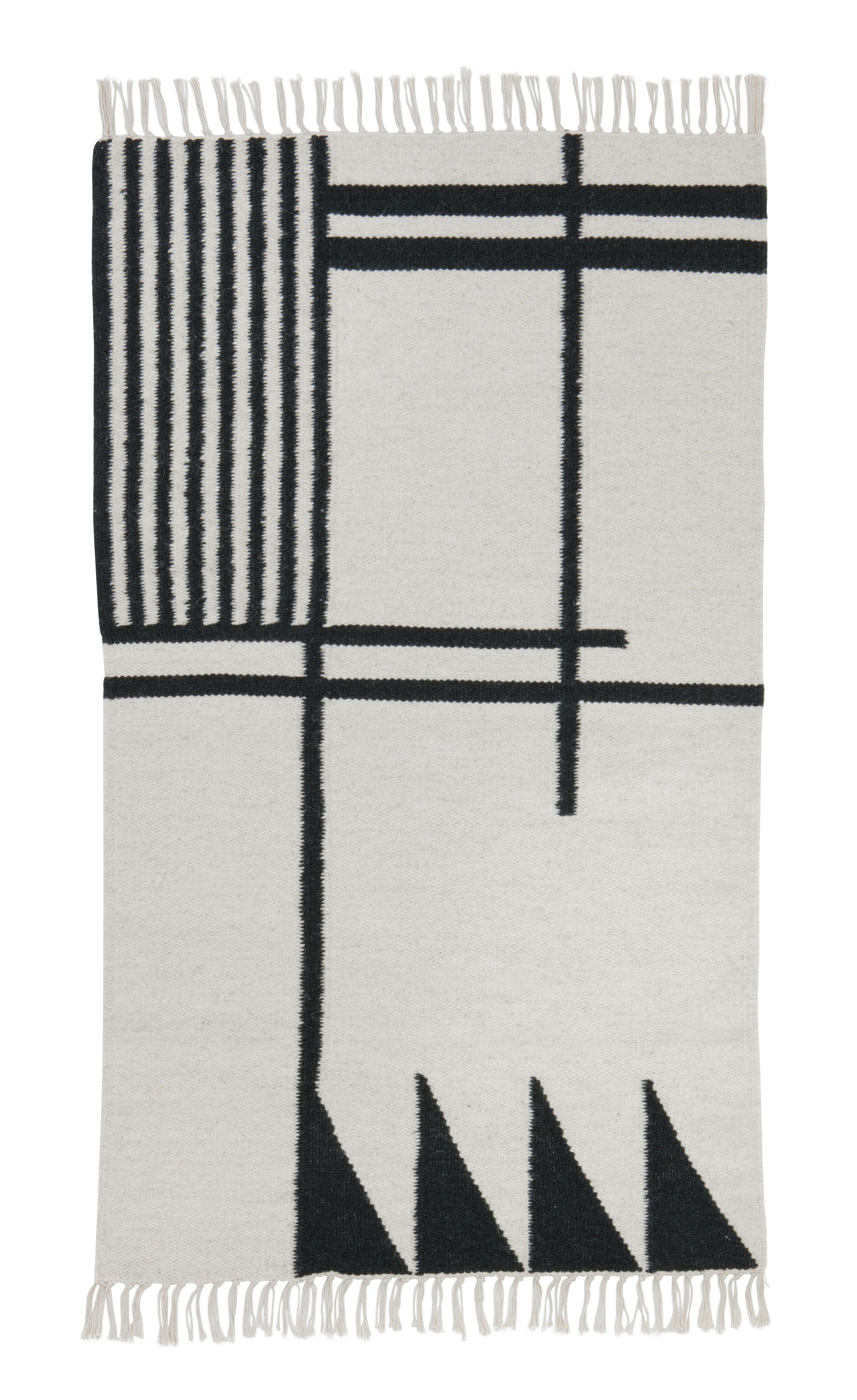 teppich kelim black lines small von ferm living schwarz wei made in design. Black Bedroom Furniture Sets. Home Design Ideas