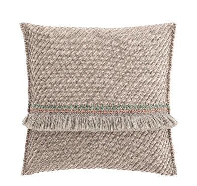 Interni - Cuscini  - Cuscino Garden Layers - / Large - Tessuto a mano di Gan - Diagonali / mandorla & avorio - Gommapiuma, Polipropilene