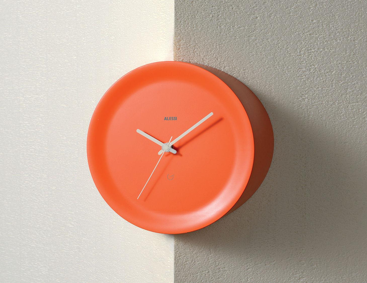 Déco - Horloges  - Horloge murale Ora Out sur arête murale / Ø 21 x H 15 cm - Alessi - Orange / Aiguilles grises - Résine thermoplastique