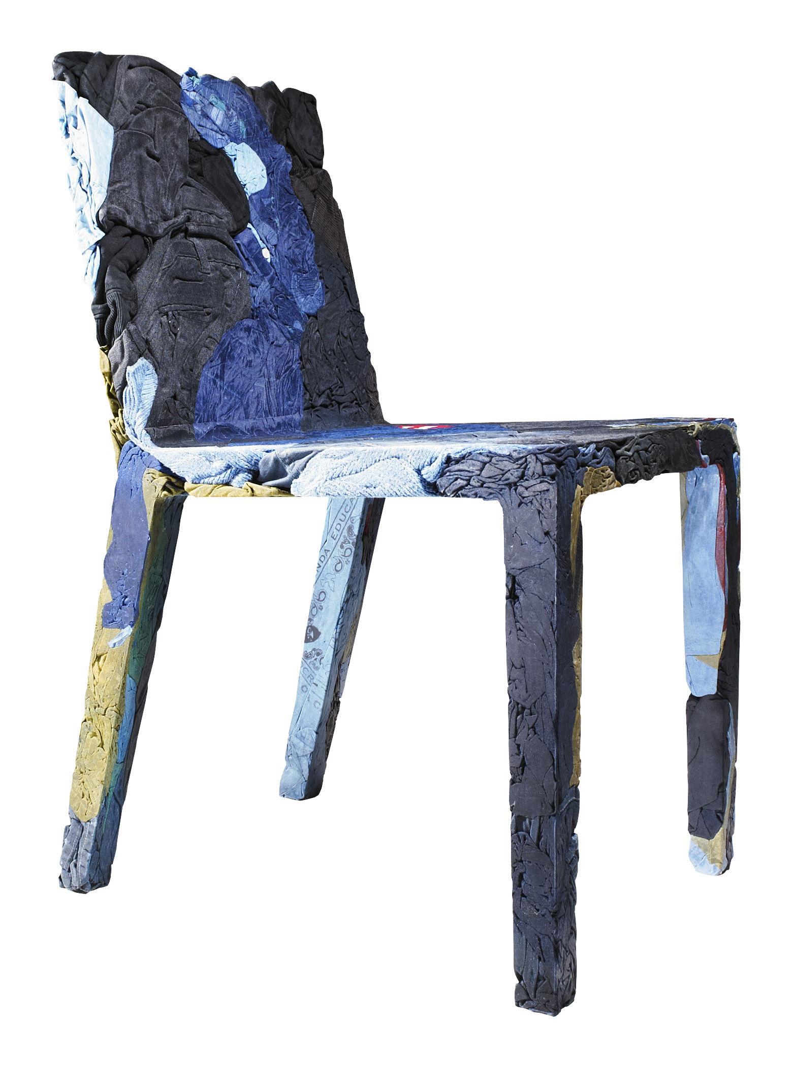 Möbel - Stühle  - Rememberme Stuhl aus recycelten Jeans - Casamania - Jeansfarben - Harz, Jeans recyclés