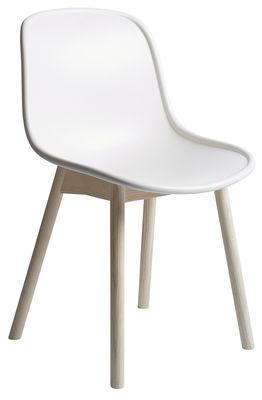 Mobilier - Chaises, fauteuils de salle à manger - Chaise Neu 13 / Plastique & bois - Hay - Blanc / Pieds bois - Frêne naturel, Plastique moulé