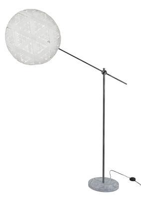Illuminazione - Lampade da terra - Lampada a stelo Chanpen Hexagon - / Ø 52 cm - Motivi triangoli di Forestier - Bianco / Canna di fucle - Marmo, Metallo, Tessuto in abaca