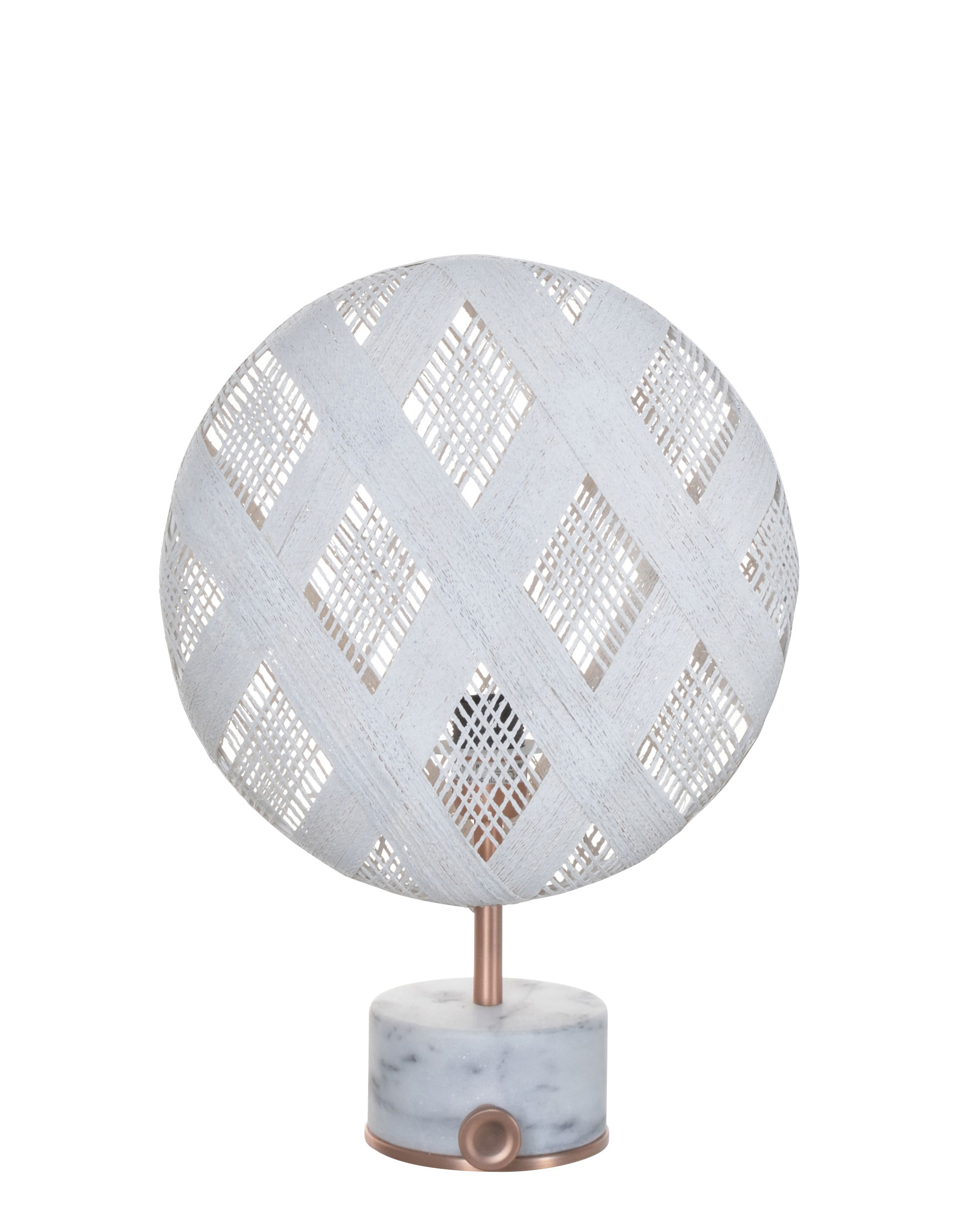 Luminaire - Lampes de table - Lampe de table Chanpen Diamond / Ø  26 cm - Motifs losanges - Forestier - Blanc / Cuivre - Abaca tissé, Marbre, Métal