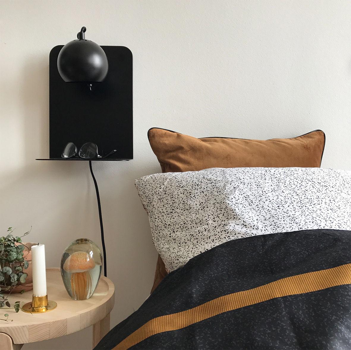 applique avec prise ball frandsen noir mat l 22 x h 30 x 7 made in design. Black Bedroom Furniture Sets. Home Design Ideas