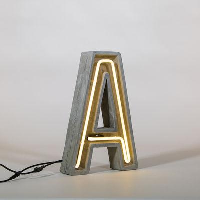 Lampe de table Néon Alphacrete / Lettre A - Intérieur / extérieur - Seletti blanc/gris en pierre