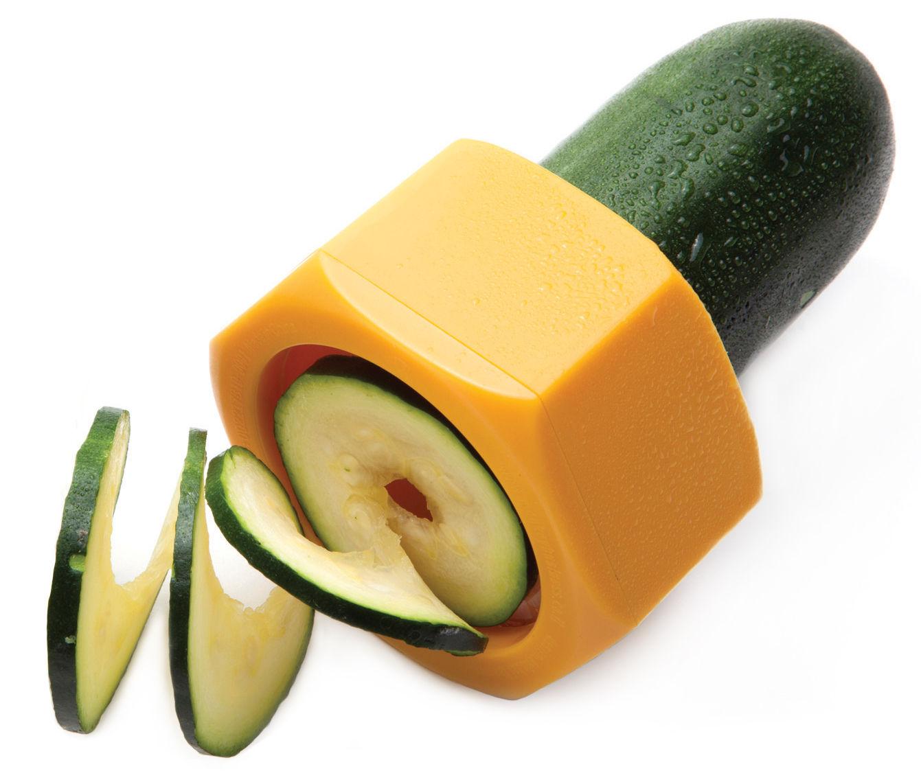 Cuisine - Ustensiles de cuisines - Taille-légume Cucumbo / Pour concombre et courgette - Pa Design - Orange - ABS, Acier inoxydable