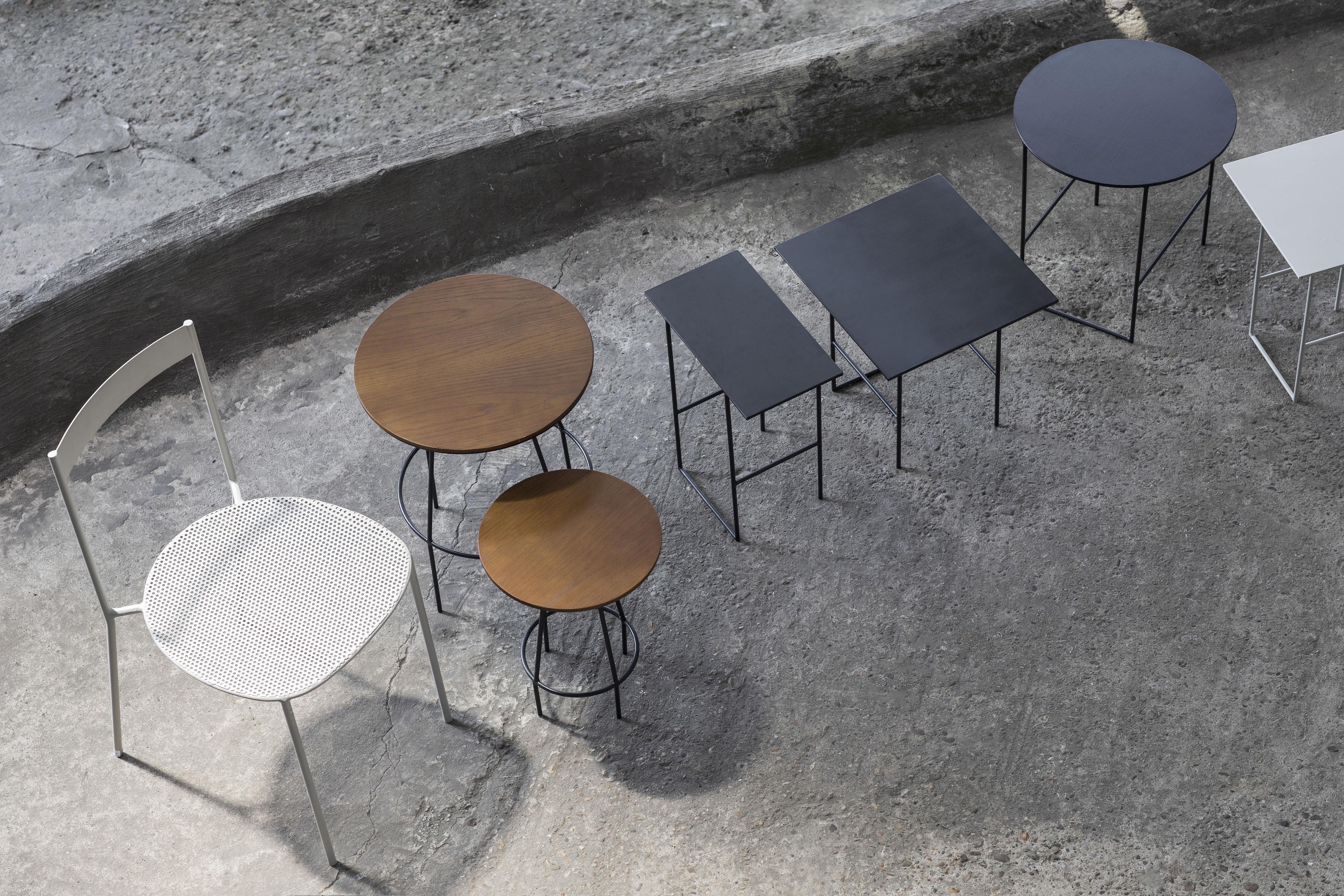 beistelltisch ula von serax holz schwarz h 40 5 x 30 made in design. Black Bedroom Furniture Sets. Home Design Ideas