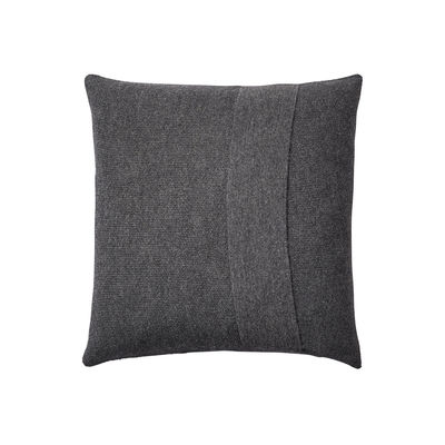 Déco - Coussins - Coussin Layer / Laine baby lama tricotée main - 50 x 50 cm - Muuto - Gris foncé -  Plumes, Coton, Laine baby lama
