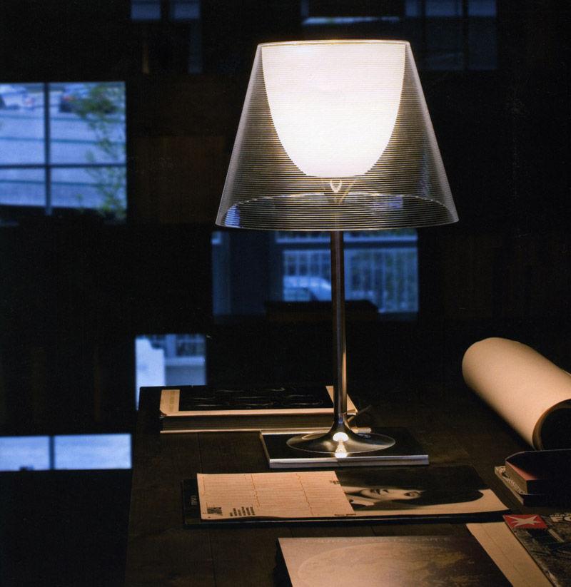 Lampada Da Tavolo K Tribe T2 Di Flos Grigio Argento Made In Design