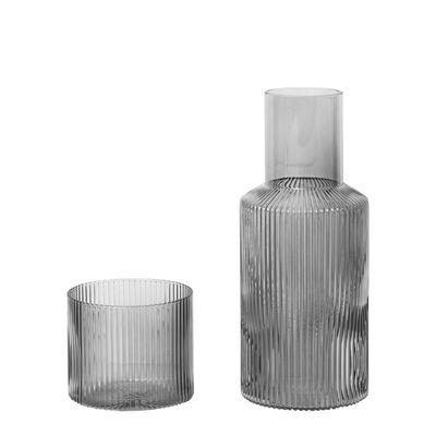 Tavola - Caraffe e Decantatori - Caraffa Ripple - / Set Caraffa 0,5L + 1 Bicchiere di Ferm Living - Grigio fumo - Vetro soffiato a bocca
