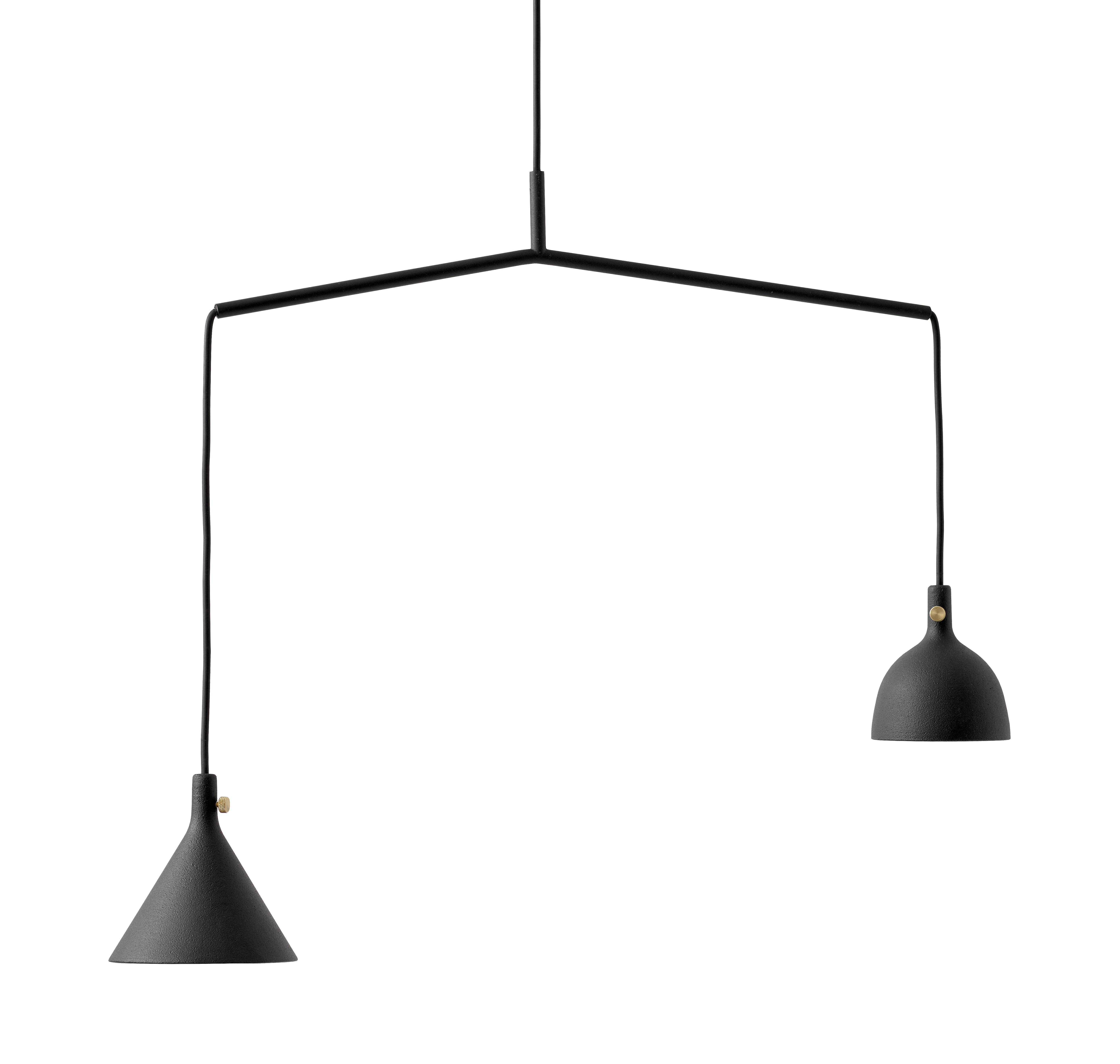Illuminazione - Lampadari - Sospensione Cast n°4 / 2 paralumi - L 56 cm - Menu - Nero - Ghisa di alluminio