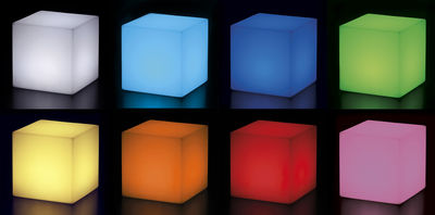 Tavoli Luminosi Da Esterno.Scopri Tavolino Luminoso Cubo Outdoor Led Senza Filo 43 X 43 X
